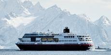 Cruise Ship - MS Midnatsol