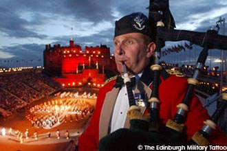 Coach trips to Edinburgh Military Tattoo 2017