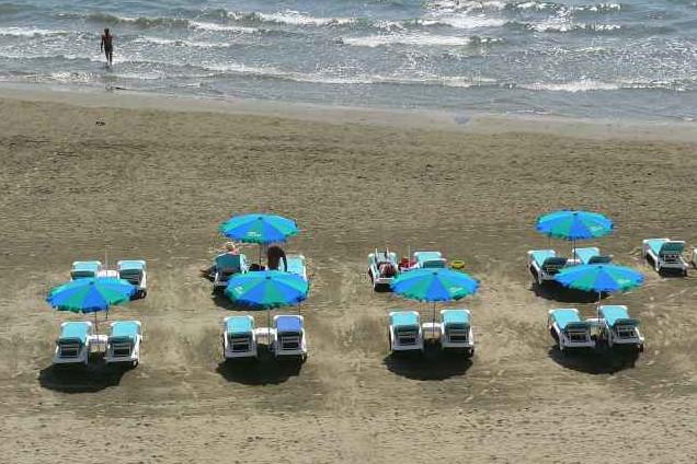 Tranquil Larnaca beach