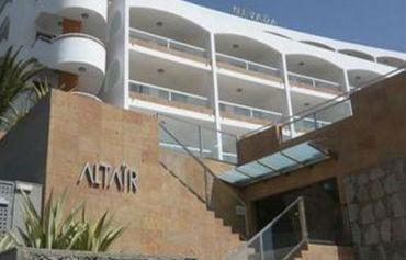 Altair Apartments