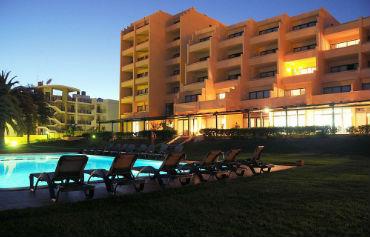 Dom Pedro Meia Praia Beach Club