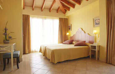 Grupotel Macarella Suites