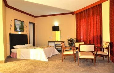 Musti's Royal Plaza Hotel