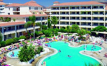Parque de la Paz Apartments