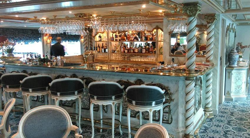 Uniworld SS Maria Theresa Bar