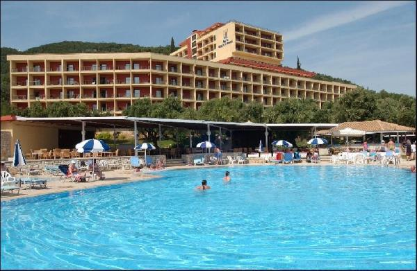 4* Nissaki Beach Hotel