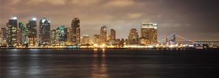 San Diego iluminada y despierta