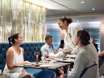 Información General Crystal Yacht Cruises