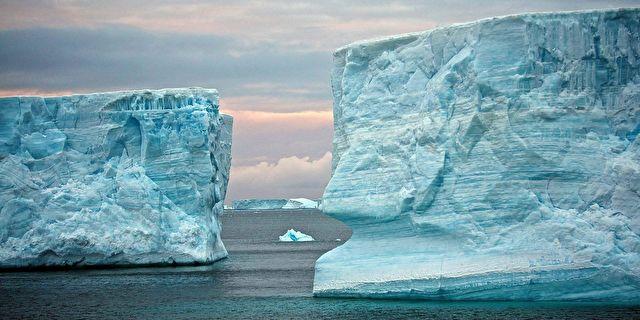 Antarctica, Falklands & the Chilean Fjords